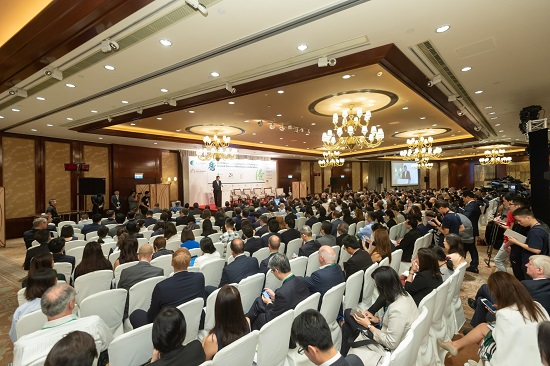 Some 800 participants attended the 2018 Green and Social Bond Principles Annual General Meeting and Conference co-hosted by the International Capital Market Association and the Hong Kong Monetary Authority in Hong Kong today.